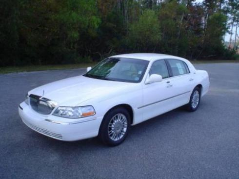 White Lincoln Town Car Atlanta Limo Services